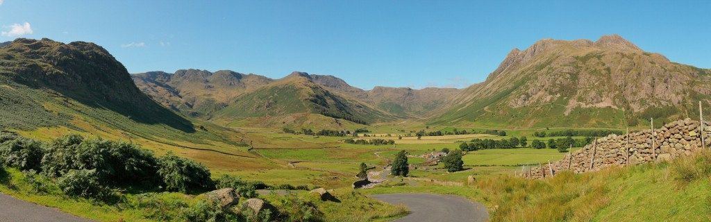 The Langdales on a fabulously sunny and clear day, the most perfect I've ever seen this scene. 5 portrait frames stitched together.